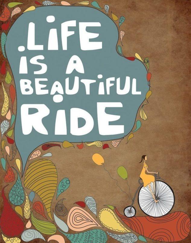 Dal 31 Maggio al 2 Giugno, anche quest'anno, per la decima volta di fila, ciclisti da ogni luogo dell'universo convergeranno su Roma per celebrare la critical mass interplanetaria, la Ciemmona. Abbigliamento stravagante e bici addobbata a festa sono consigliati, il sorriso invece è d'obbligo. Biciclette, tricicli, pattini, skateboard, tall-bike, tandem, risciò e anche i piedi sono gli unici mezzi accettati insieme a tutti i mezzi non a motore.